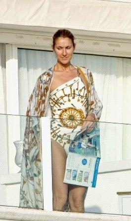 celine-dion-swimsuit-style-08.jpg