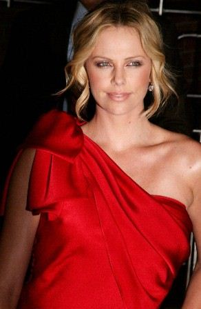 charlize-theron-battle-in-seattle-01.jpg