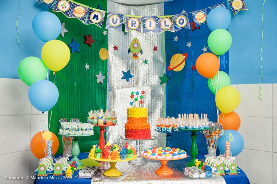 Temas diferentes de festa infantil astronauta